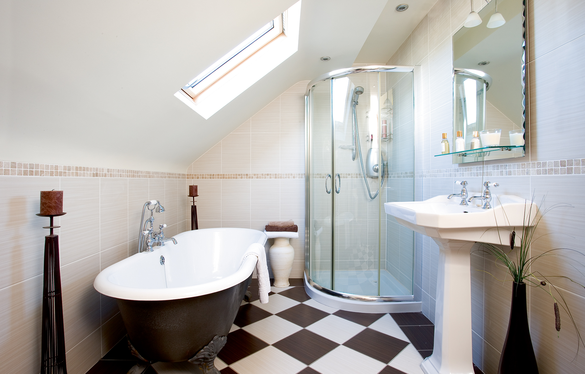 loft-bathroom-freestanding-bath-checked-floor