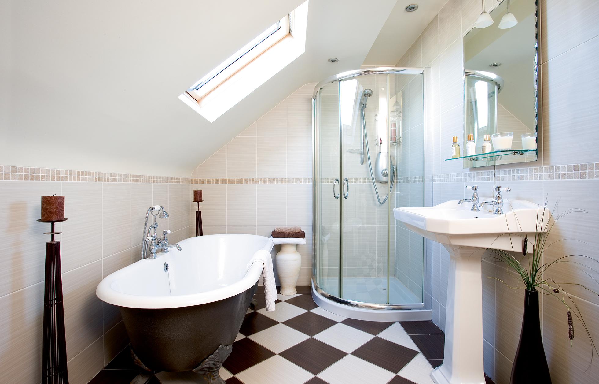 loft-bathroom-freestanding-bath-checked-floor